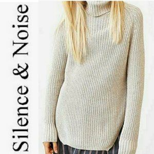 UO Silence + Noise Ribbed Turtleneck Sweater, Sz S
